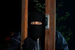 夜贼窗口四 库存照片