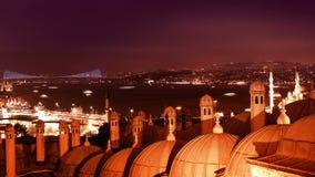 夜Bosphorus海峡、加拉塔桥梁和Bosphorus桥梁 Timelapse 4K 股票录像