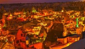 夜Goreme,卡帕多细亚土耳其 图库摄影