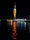 大三角帆塔在晚上 免版税库存图片