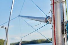大三角帆杆是用于风船的晶石 库存图片