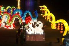 大五颜六色的灯笼陈列和装饰为在农历新年庆祝的旅游业在泰国 免版税库存图片