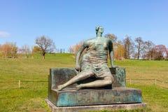 大亨利・摩尔雕塑 免版税图库摄影