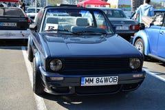 大众高尔夫球cabrio 1800经典之作汽车前面 免版税库存照片