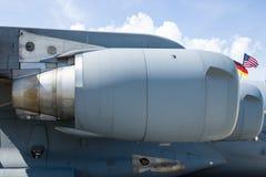 大军事运输航空器波音C-17 Globemaster III的扇涡轮普拉特&惠特尼F117-PW-100 免版税库存照片