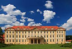 大别墅在Tloskov, Neveklov,捷克共和国 库存照片