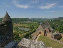 大别墅Beynac,在Dordogne的中世纪城堡 库存图片