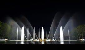 大别墅de凡尔赛庭院在晚上-法国 库存照片