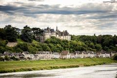 大别墅de肖蒙苏尔卢瓦尔河,法国 这座城堡位于卢瓦尔河流域,在10世纪建立了和被重建了 图库摄影