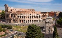 大剧场和康斯坦丁形成弧光-罗马-意大利 图库摄影