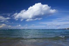 大加那利岛,在海洋的美丽的轻的云彩 免版税库存照片