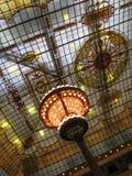 大区域彩色玻璃天花板 库存照片