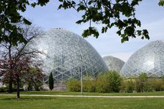 大半球形的温室 库存图片