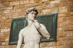 大卫雕象的特写镜头在Palazzo Vecchio前面的在日落 在市佛罗伦萨 免版税库存照片
