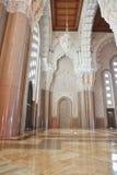 大厅内部清真寺祈祷 免版税图库摄影