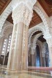 大厅哈桑我内部清真寺祈祷 免版税库存照片