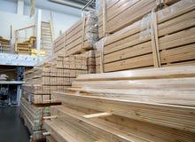 大厅的内部木制品销售的  库存图片