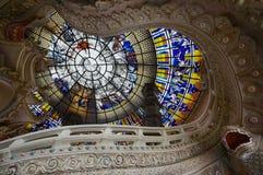 大厅的天花板装饰在三头大象大厦内的在爱侣湾博物馆在萨穆特Prakan,泰国 库存照片