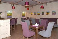 大厅酒吧内部在宾馆里 普罗旺斯样式 免版税库存图片