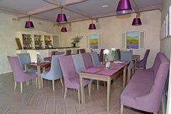 大厅酒吧内部在旅馆里 普罗旺斯样式 库存图片