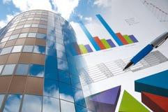 大厦企业财务图表的拼贴画 图库摄影