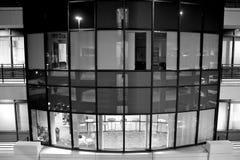 大厦办公室视窗 免版税库存图片