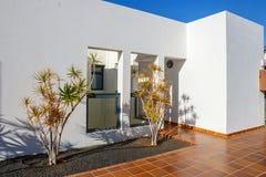 大厦和区域旅馆Playa布朗卡的,兰萨罗特岛 图库摄影