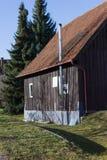 大厦和小屋与细节在农村乡下 免版税库存照片