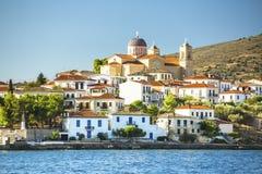 大厦和希腊港口Galaxidi的寺庙在希腊 旅行 免版税库存图片