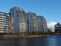 大厦在曼彻斯特英国近的媒介城市 免版税库存照片