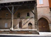 大厦在波隆纳意大利 库存图片