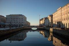 大厦在的里雅斯特,意大利 库存图片