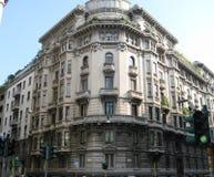 大厦在米兰 免版税库存照片