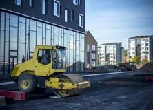 大厦地方奥尔堡丹麦亨宁拉尔森江边 免版税图库摄影
