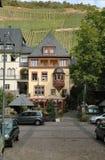 大厦德国Mosel美丽如画的区域酒 免版税库存照片