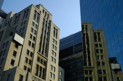 大厦新老 免版税库存图片