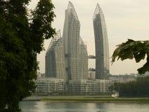 大厦曲线摩天大楼的构成 免版税库存照片