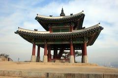 大厦柬埔寨pehn pnom寺庙 30更改的卫兵7月韩国国王好朋友s汉城南部 免版税库存图片