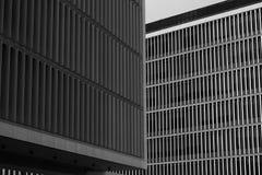 大厦横渡的栅格细节在音乐附近议院的在波尔图,葡萄牙 库存图片