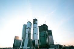 大厦现代企业的玻璃 库存图片