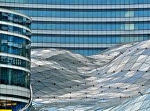 大厦玻璃华沙 库存图片