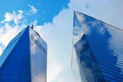 大厦的两个摩天大楼 库存照片
