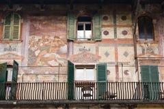 大厦的前面,维罗纳 免版税库存图片