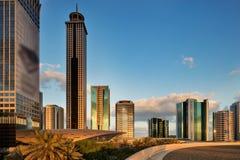 大厦的地平线视图在扎耶德Road回教族长的在迪拜,阿拉伯联合酋长国 免版税库存照片