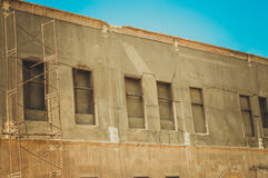 大厦老窗口在开罗城堡里面的 库存照片