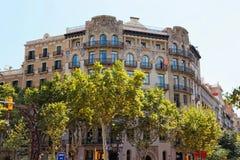 大厦装饰在Passeig de Gracia 33的在巴塞罗那 免版税库存图片
