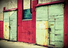 大厦门在一个工业区 库存照片
