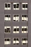大厦门面反映视窗 免版税库存图片