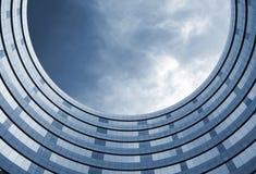 大厦高办公室的环形 库存图片