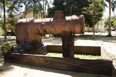大古老水泵在Wat Kiean轰隆Kaew庭院里  免版税图库摄影